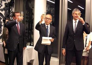 2)乾杯、左よりフォール仏大使、久米会長、ウオーキエ大臣