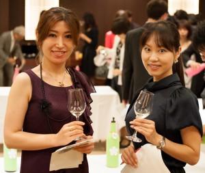 山橋さん(左)と、松村さん