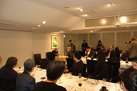 進行役を務めてくださったのは、元パリクラブ会長、関本さん。