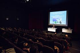 講演の冒頭にはモナコのプロモーションビデオが流され、参加者は熱心に聞き入りました。