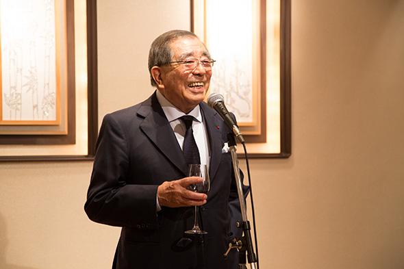 磯村名誉会長の乾杯の音頭で始まった懇親会。