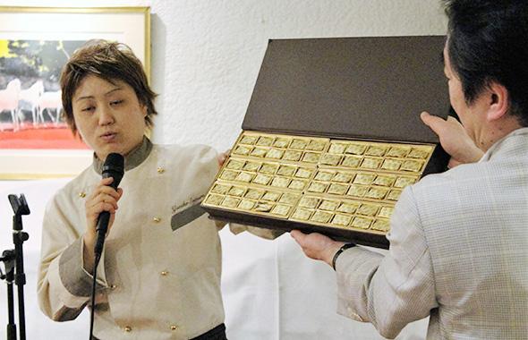 世界一のショコラがどのように生まれたかを語る才村さん。飾らない語り口に思わず引き込まれる。