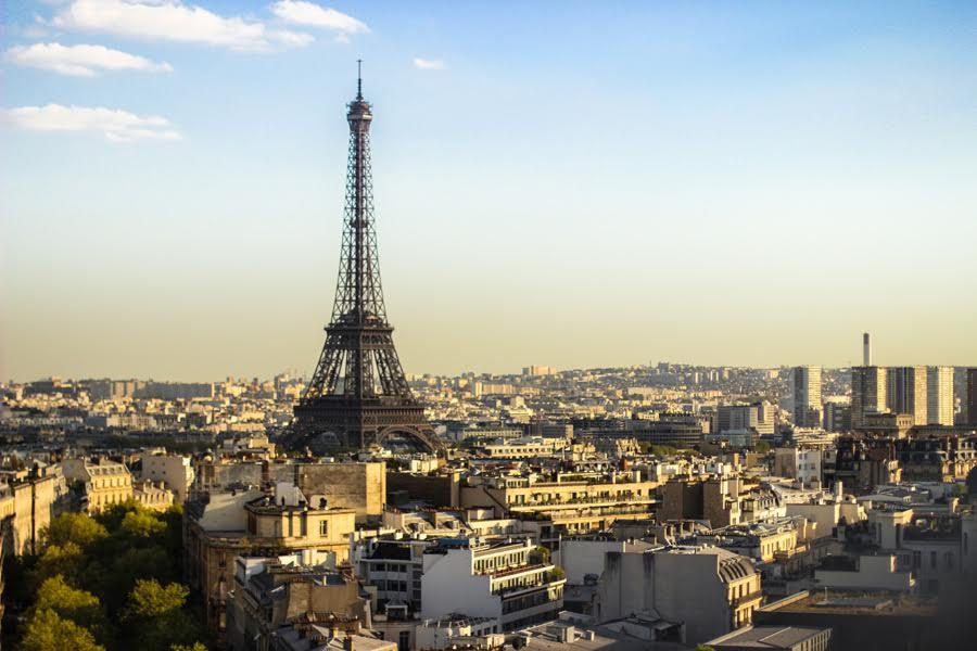エッフェル塔と世界都市パリ
