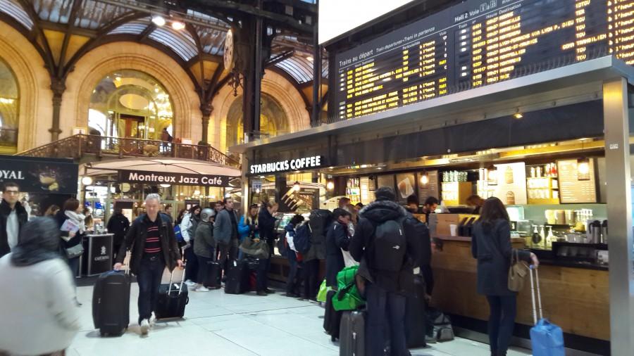 パリリヨン駅のStarbucks