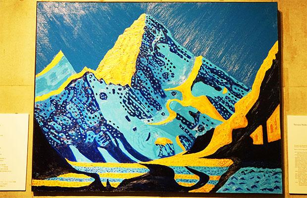 日仏会館エントランスに展示されている「カラコルム山脈」