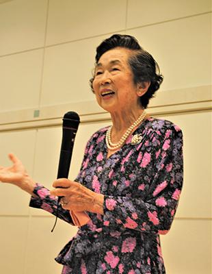 鮫島純子さん