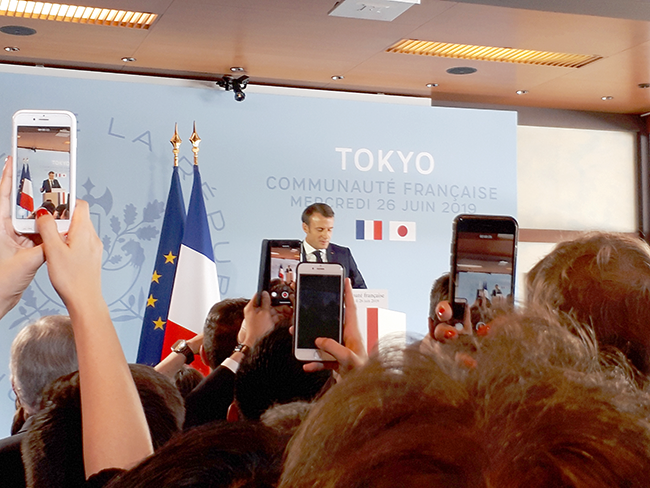 2019年6月26日 在日フランス大使公邸のG20サミット参加マクロン大統領のご挨拶 筆者撮影
